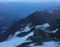 #VIRAL: Helicóptero se desploma en pleno rescate de un hombre en Austria