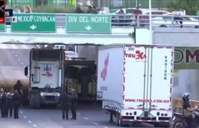 TRAILER SE ATORA EN PUENTE DE RIO CHURUBUSCO CDMX