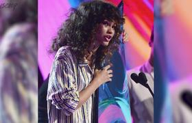 Zendaya Gets NAKED for Bruno Mars at the 2017