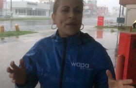 Aixa Vázquez sufre caída por fuertes vientos de María