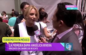 Angélica Rivera trabaja junto a voluntarios por las víctimas del sismo que sacudió México