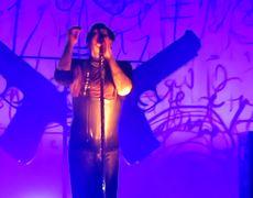 Marilyn Manson sufre accidente en el escenario