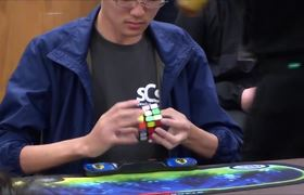 #VIRAL: Break record when assembling Rubik cube in just 4.5 seconds!