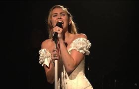 Miley Cyrus - I Would Die For You (Live at SNL)