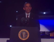 Barack Obama lights the National Christmas Tree