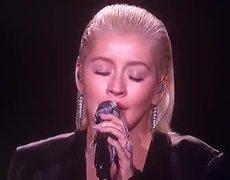 Christina Aguilera Tribute To Whitney Houston (FAIL)