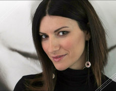Laura Pausini + Christmas = Perfection!