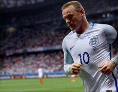 Wayne Rooney Changes His Focus
