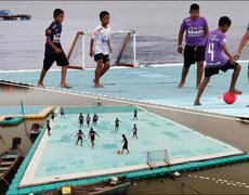 Children in Thailand Go After a Dream