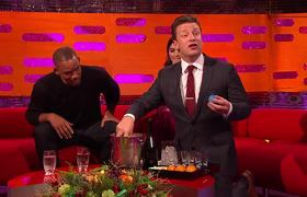 Will Smith Tries Jamie Oliver's Christmas Negroni