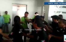 Alcalde de Tecomán Colima propina cachetada a trabajador del DIF