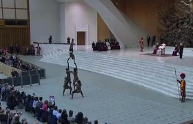 Pope Francis Delights in Circus Performance
