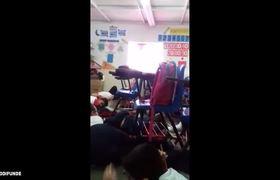 Maestra canta a Niños para calmarlos Durante Balacera en Obregón