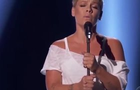 Pink 2Wild Hearts Can't Be Broken2 2018 60th Grammy
