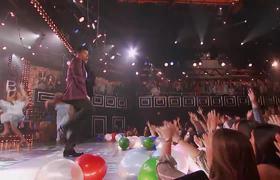 Lip Sync Battle - Ricky Martin Performs Kenny Loggins'