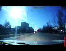 Meteor lights up sky in Ukraine