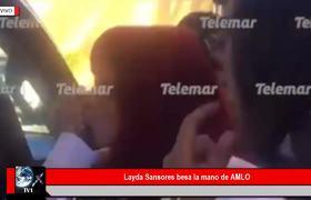 Layda Sansores besa la mano de AMLO y causa polémica en Redes