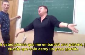 Maestra se rie de alumno y de su religion