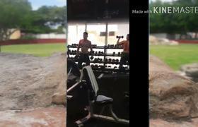 Wapayasos bailando Scooby doo papa en el Gym