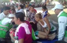 """Sufren golpe de calor por esperar """"Salario rosa"""" de $300 pesos en Chiapas"""