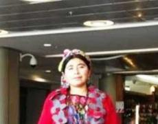 Estudiante de doctorado echada de cafetería por usar vestimenta tradicional