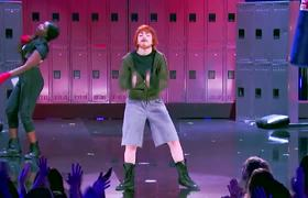 """Lip Sync Battle: Charli XCX Transforms Into Ed Sheeran for """"Shape of You"""" 
