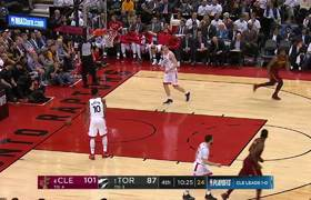 LeBron James hits 6 ridiculous 4th-quarter fadeaways as he dismantles Raptors in Game 2