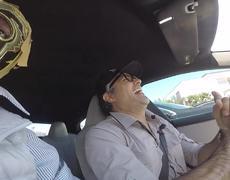 Jaime Camil y Súper Escorpión Dorado al volante