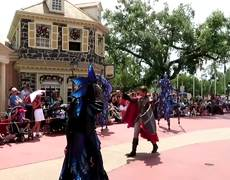 #VIRAL: Fantasy Parade Maleficent Dragon Catches Fire on Disney at Florida