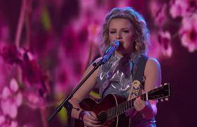 Maddie Poppe Sings