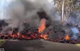 Hawaiian Lava Hits Pacific Ocean