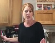 Mom Running Cheesecake Business Rants About Customer