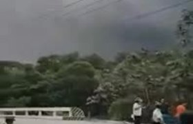 Erupción Volcán de fuego Sacatepequez, Antigua Guatemala y Alotenango