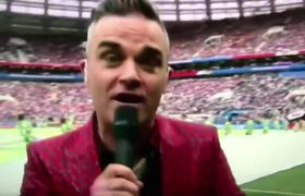 Robbie Williams MIDDLE FINGERS Camera 2018 World Cup