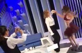 Niurka Marcos pone a bailar a Montserrat Oliver y Yolanda desnuda