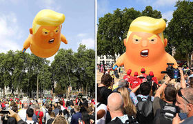 #NEWS: Trump baby balloon takes flight as protesters converge in London