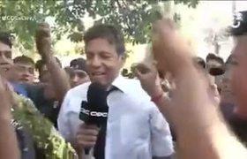#VIRAL: Reportero termina dorgado cuando cubria nota de manifestacion en pro de la marihuana