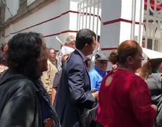 """A gritos, mujer acusa #AMLO de estar """"vinculado con el crimen organizado"""""""