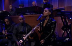 The Tonight Show: Ariana Grande and The Roots Perform