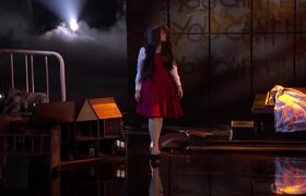 America's Got Talent 2018 - The Sacred Riana: Magician Scales Wall, Summons Terrifying Look-alikes