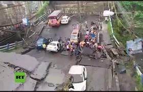 Se derrumba un paso elevado en la ciudad india de Calcuta
