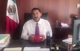 #TuppersChallenge: Martí Batres lanza reto y se hace viral - Presume austeridad en el Senado