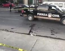 Enfrentamiento entre barras de Tigres y Rayados de Monterrey