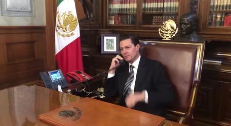 Peña Nieto hace llorar a Chumel Torres
