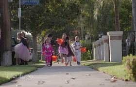 The Ellen Show: Trick-or-Treating with Macey, Brielle, Claire, Nate and Lil' Mushroom