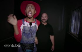 The Ellen Show: Matt & Kalen Go Through a Haunted House