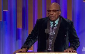 Quincy Jones honors Cicely Tyson at the #2018GovernorsAwards