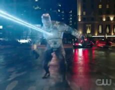 DCTV Elseworlds Crossover Clip - Amazo Fight (HD)
