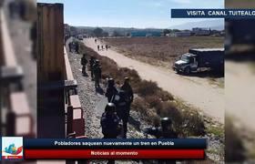 Pobladores saquean nuevamente un tren en Puebla