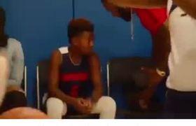 Así motivó LeBron James a su hijo tras un partido